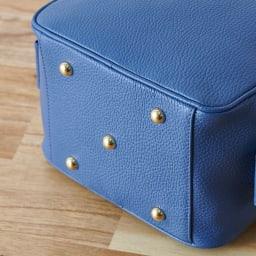 Coquette/コケット キュービック バッグ dinos限定カラー 底鋲5個付きだから床においても大丈夫。