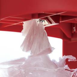 SWAN(スワン)かき氷機 硬い氷が薄く削られ、フワフワのかき氷に。お店のような出来上がりです。