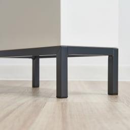 ミヤケデザイン ダストボックス 30L スチール脚タイプ(蓋なし・蓋付き) パイプ脚と床の内寸は約10cm。掃除機もラクラクはいります。