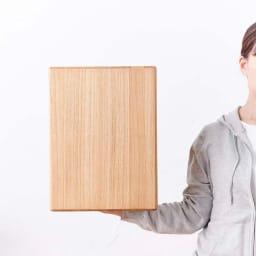かるばこ テーブル&スツール 女性でも、高さ40cmのサイズを軽々持てます。