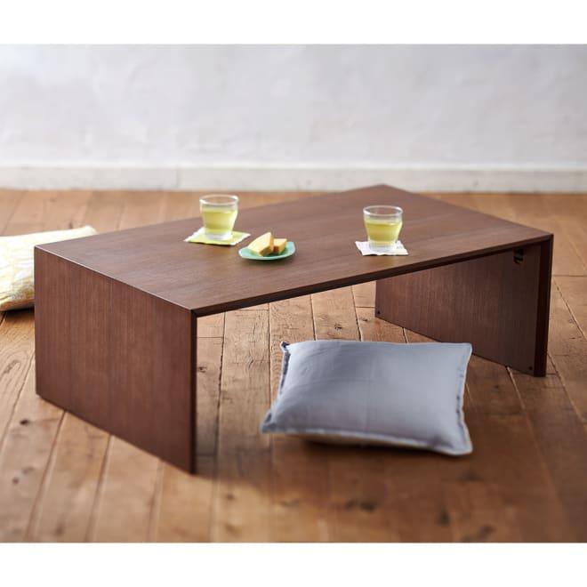 Slim ウォールナット折りたたみ可能なテーブル 幅105cm テーブルはデスクよりやや高めの高さ約35cm。フロアテーブルにどうぞ。