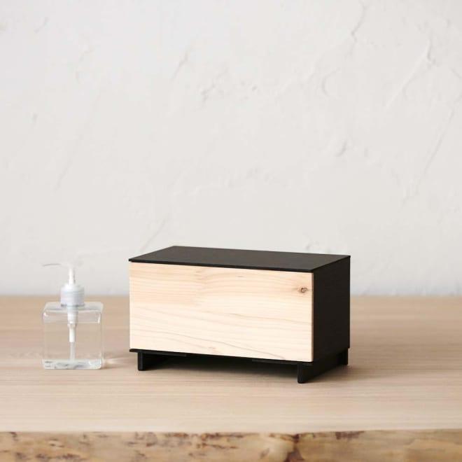 Hinoki+(ヒノキ プラス) マスク収納ボックス 引き出し1段 フロントに使った紀州檜。節があったり、表情が異なるのは天然木の証です。