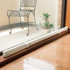 結露と冷気を抑制 窓際ヒーター 幅60~90cm伸縮 約0.83kg・65W