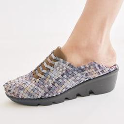 GOMUGOMU/ゴムゴム スタイルアップシューズ かかとを踏んでサボのようにも履ける2WAY仕様。