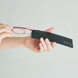 ペーパーグラス (イ)レッド この薄さ今までにない!持ち運びに便利で、収納作法も美しい。