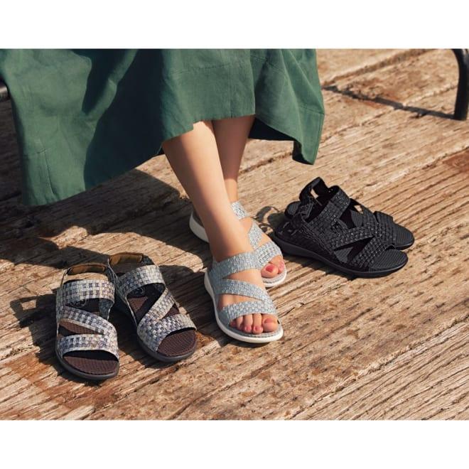 GOMUGOMU/ゴムゴム ストラップコンフォートサンダル 左から(ウ)ブロンズミックス (イ)シルバー (ア)ブラック  見た目はお洒落、足は快適!涼しげなゴムメッシュで夏のお出かけを楽しんで。