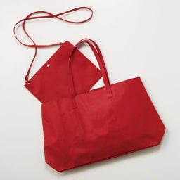 AQUALEATHER(R)/アクアレザー ポシェット アクアレザーのトートバッグと合わせて持ってもおしゃれ。バッグinバッグとしてお財布や携帯など小物の整理にも重宝します。
