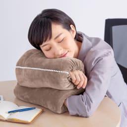西川 おひるねピロー 腕枕(ねこ) 腕枕タイプ