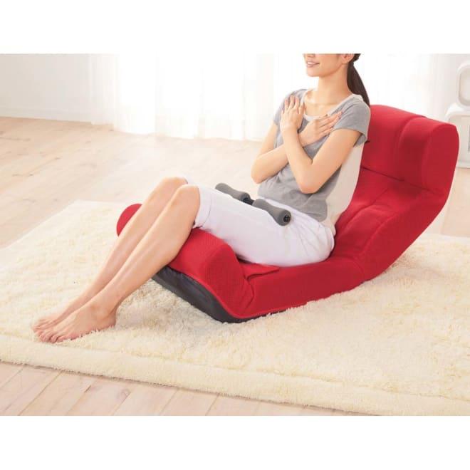 ピュアフィット 快適ソファー座椅子 らくらく腹筋生活DX 一見、ただの座椅子ですが、実は座椅子型のフィットネスアイテム。レッグバーを引きだし、脚を固定すると腹筋運動がラクに、手軽にできます。