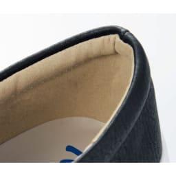 パイソンスリッポン かかとにやさしいクッションつき かかとの当たりがやわらかく、靴ずれも防止。