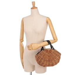 Cachellie/カシェリエ 牛革使い アラログ バッグ 着用例