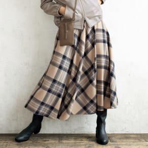 イタリア素材 チェック柄 フレアスカート 写真