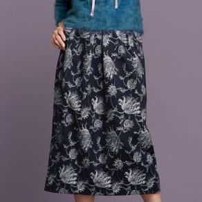 「NIKKE」 マフデニム ジャカード スカート 写真