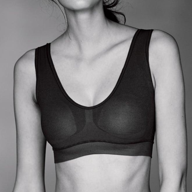 肌側シルク成型編み ハーフトップブラ コーディネート例