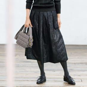 タフタ刺繍 タックフレアスカート 写真