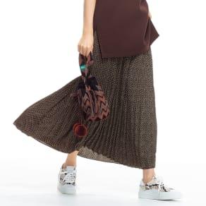ヘリンボーン風プリント プリーツロングスカート 写真