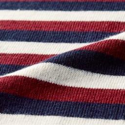 「GALDA」 マルチボーダーニット 1960年創業のイタリア「GALDA」社の糸を使用。スモーキーなトーンで品よく着られる配色に。