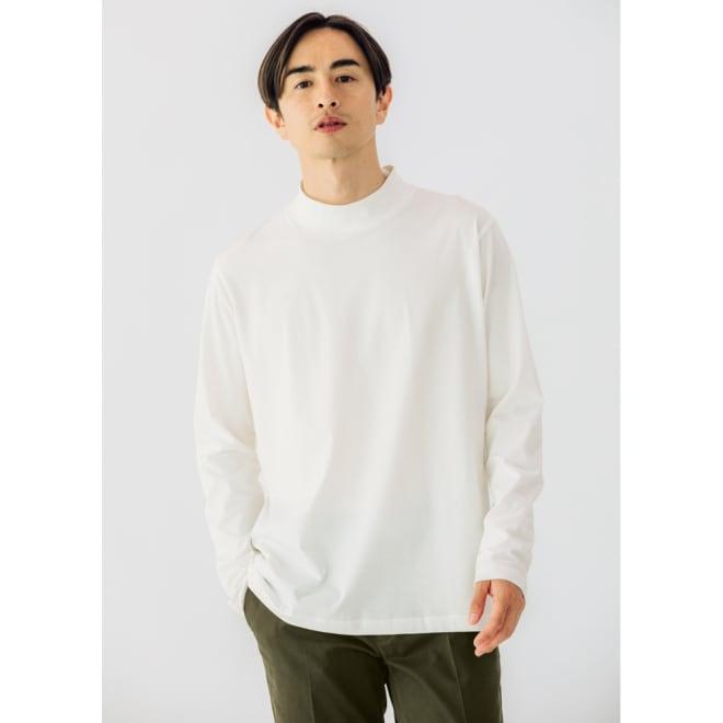 「i cotoni di ALBINI」 超長綿ハイネックTシャツ (イ)ホワイト コーディネート例