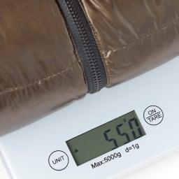 「DICROS」×「ALLIED」 軽量ダウンジャケット 通常1kg程度の重さが言われるダウンジャケット。今回はなんと約550gという軽量化に成功。