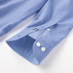 SCENE(R)/シーン 今治タオルシャツ(日本製) 折り返したときにも決まるよう、袖口の裏には別地を使用。配色のテープをアクセントに。