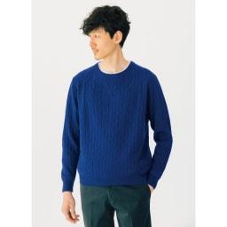 カシミヤ混ケーブル編み ニットプルオーバー (エ)ブルー 着用例