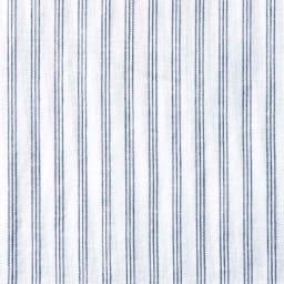 ジャパンファブリック リネンブレンド7分袖シャツシリーズ ストライプ さらりと薄手で清涼感たっぷり 薄い3本のストライプで主張が強くないため、ナチュラルな雰囲気。