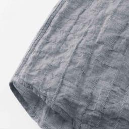 オーガニックコットン ショートスリーブシャツシリーズ ピンストライプネイビー 脇は縫い目が肌にあたらない2本針の脇縫いにして、着心地もよく、見た目にもすっきり。