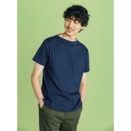 フランス「BUGIS」社 バスクシャツシリーズ ショートスリーブ ボートネックがカジュアルな印象を引き立てます。
