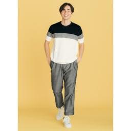 パネルボーダー切替 ニットTシャツ 素材感と配色で涼やかに クールシンプルな初夏ルック