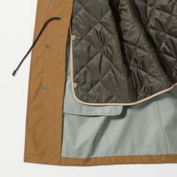「Breathatec(R)」 透湿防水ライナー付きモッズコート 薄綿を入れて、保湿性をアップしたキルトライナーはボタンで取り外せます。