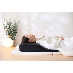 RAKUNA 整体枕ワイド 全体でS字カーブをケア ※イメージ