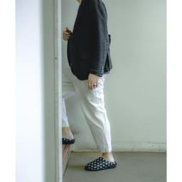 SUBU/スブ 冬のサンダル 男女問わず履いていただける洗練されたデザイン。