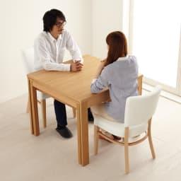 NobuII 伸長式スライディングテーブル ウォルナット材ダイニングテーブル 正方形幅85~143.5cm いつもは2人でゆったり。※画像は同型オークタイプです。