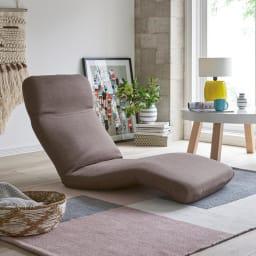 腰に優しいゆらゆら寝椅子 ワイド 幅67cm 使用イメージ(ア)ブラウン