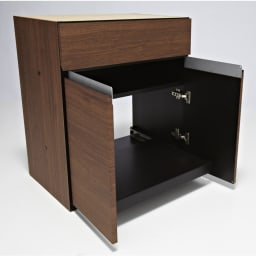 モダンリビングユニットシリーズ  プリンター収納 幅60cm 扉収納内部。プリンター台は手前にスライド可能。背板は配線のしやすさを考慮し、背板がない仕様です。