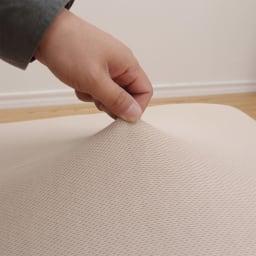 ネオボディサポートチェア幅65cm専用 洗えるさらさらカバー (座椅子カバー) 伸縮性のある生地で取り外しがしやすい。