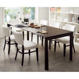 Universe ユニバース イタリア製伸長式ダイニングテーブル 伸長時(230cm)大きめのチェアと合わせても余裕のゆったり感。