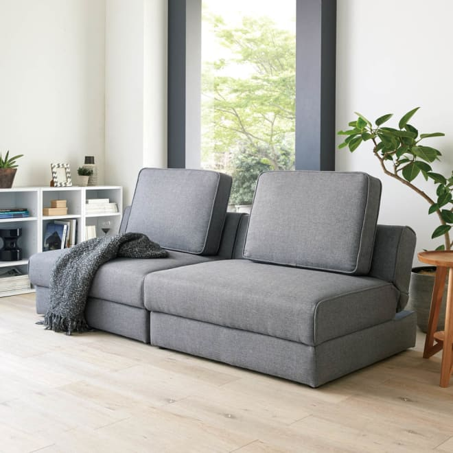 収納庫付ソファベッド 幅170cm(2人掛け~3人掛け) コーディネート例(ア)グレー ※写真はソファ幅190cmです。