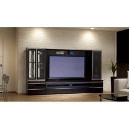 ラグジュアリー壁面TVボードシリーズ160<パモウナ VD-1600> (イ)ブラックグレイン シリーズ組み合わせ例。テレビ台は180cmのテレビ台です。
