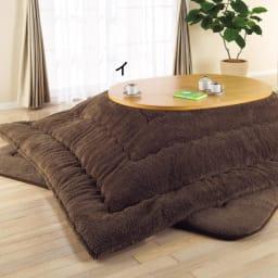 組立不要!ナラ天然木折れ脚まぁるいこたつテーブル(オーバル型) (使用例)こたつ時 ※写真のテーブルはオーバル型(90×120cm)です。