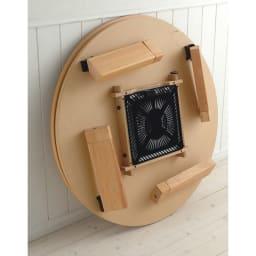 組立不要!ナラ天然木折れ脚まぁるいこたつテーブル(オーバル型) 折りたたむと厚みわずか15cm! シーズン以外はコンパクトに収納できます。