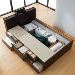 間仕切り仕様 大容量収納チェストベッド フレームのみ 大きさの異なる引き出しが合計6杯、床板下にも収納できます。 ※写真はダブルサイズです。