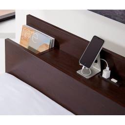棚付きフルオープン引き出しベッド  フレームのみ スマホなどの充電に便利な2口コンセント(計1500W)付き。