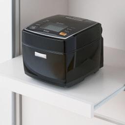 隠しキャスター付き すっきり引き戸カウンター 引き出しタイプ 幅117.5cm高さ100cm 蒸気の出る炊飯器やケトルなども安心のスライドテーブル。