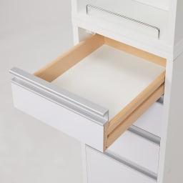 収納物が取り出しやすい3面オープンすき間収納庫 幅25cm 引出し底板化粧仕上げで、タオル類や下着類の収納にも嬉しいポイント。