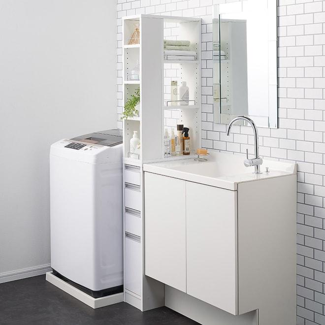 収納物が取り出しやすい3面オープンすき間収納庫 幅20cm 20cmのすき間にも設置できます。