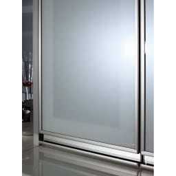 モダンキッチン食器棚 幅40奥行45高さ203cm 上部ガラスは万一割れた際にも破片が飛び散るのを抑える飛散防止フィルムが貼ってあるので安心・安全です。
