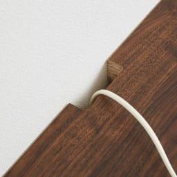 幅が10cm単位で選べるテレビ台 幅160cm デッキ収納部背面のコード穴に配線を通せます。