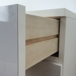 1cmピッチ&段違いで使える ハーフ棚板たっぷりリビング収納庫 チェスト