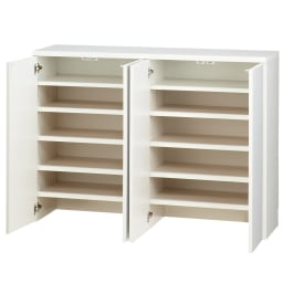 1cmピッチ&段違いで使える ハーフ棚板たっぷり収納庫 幅88cm 扉は押すと簡単に開くプッシ式扉で。 ※写真は収納庫・幅116cmです。